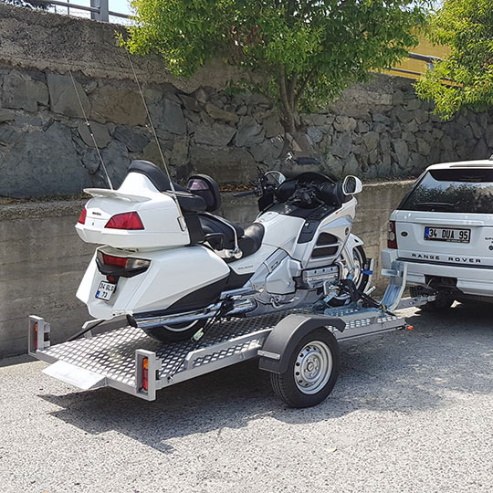 Motokabin Motorradtransportanhänger